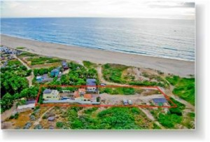 Pescadero Palace is located on a 3-mile white sand beach!